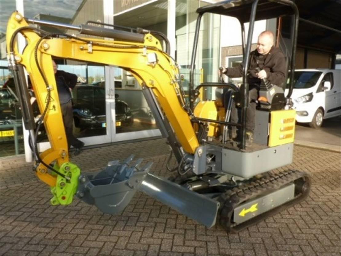 standaard tractor landbouw Diversen Hightop Ht20 mini graver 2020