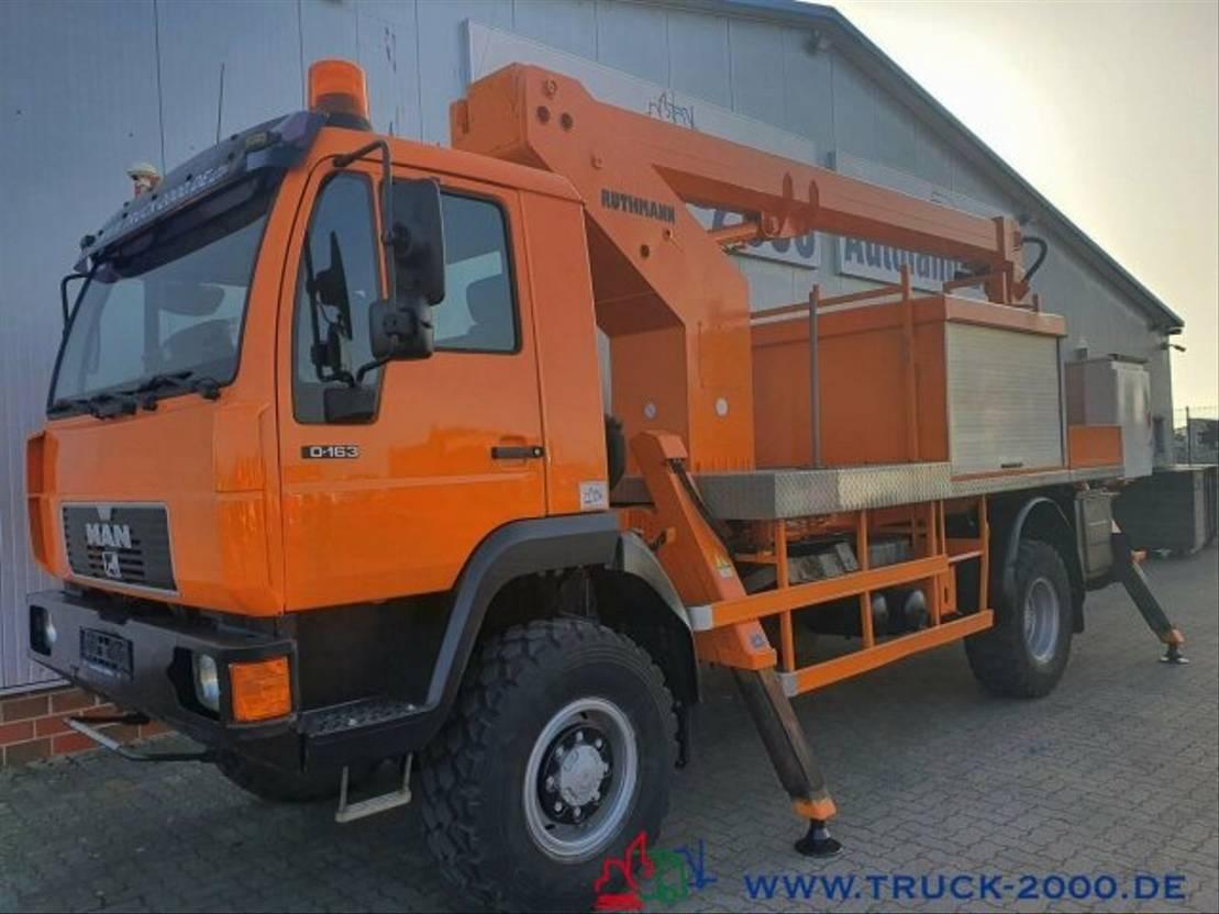 autohoogwerker vrachtwagen MAN 10.163 4x4 Ruthmann 20m seitl.13m 1000V Isoliert 2002
