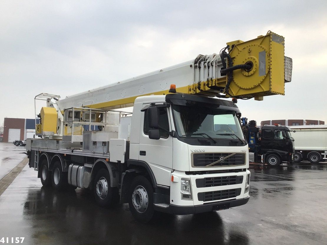 autohoogwerker vrachtwagen Volvo FM 12 8x4 Multitel 52 meter hoogwerker 2006