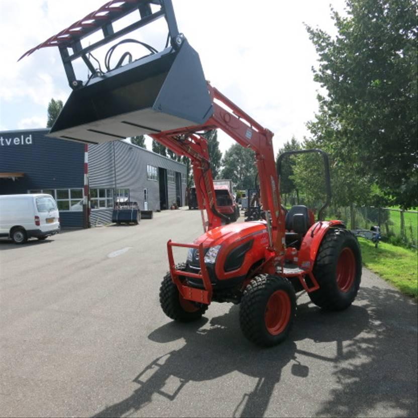 standaard tractor landbouw Kioti DK5010 HS met voorlader en bak