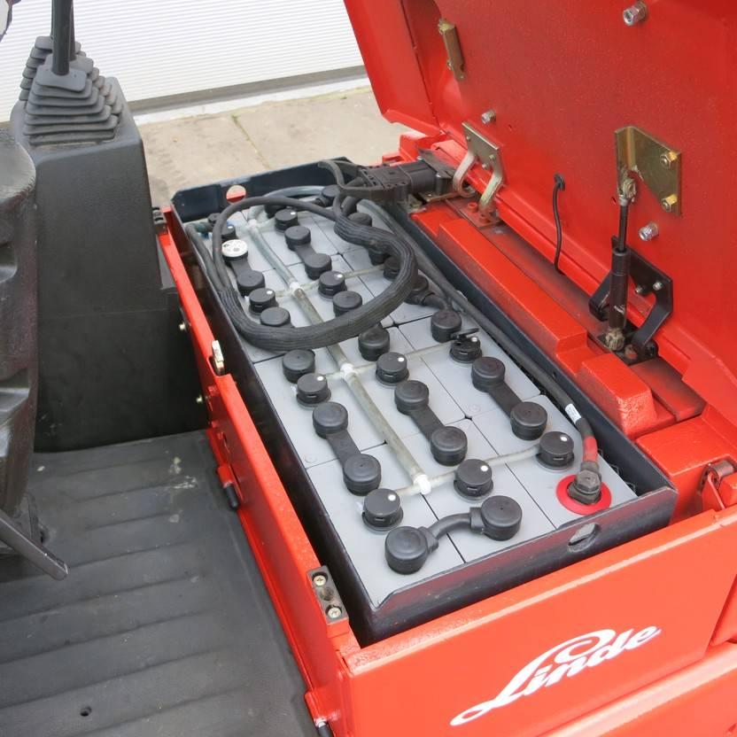 vorkheftruck Linde E12Z-02 Elektrische Heftruck 3-wieler 2002