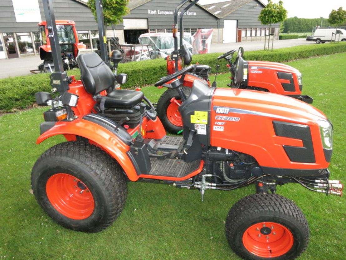 standaard tractor landbouw Kioti Kiot CK 3310 nieuw 33 pk actie 2020