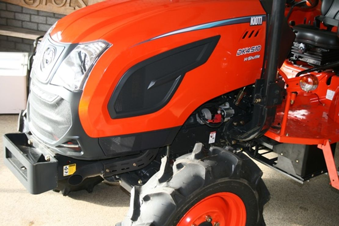 standaard tractor landbouw Kioti DK5510 nhs 4wd tractor 55pk rops beugel nieuw