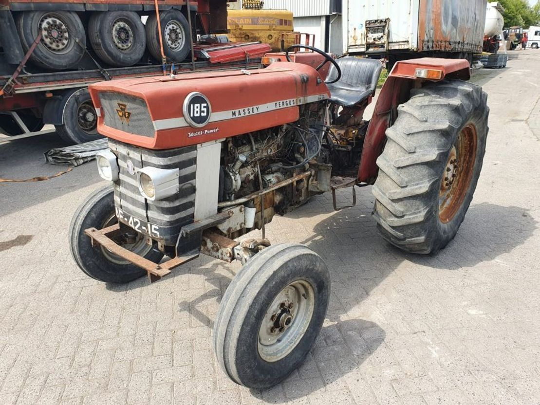 standaard tractor landbouw Massey Ferguson 185 1985