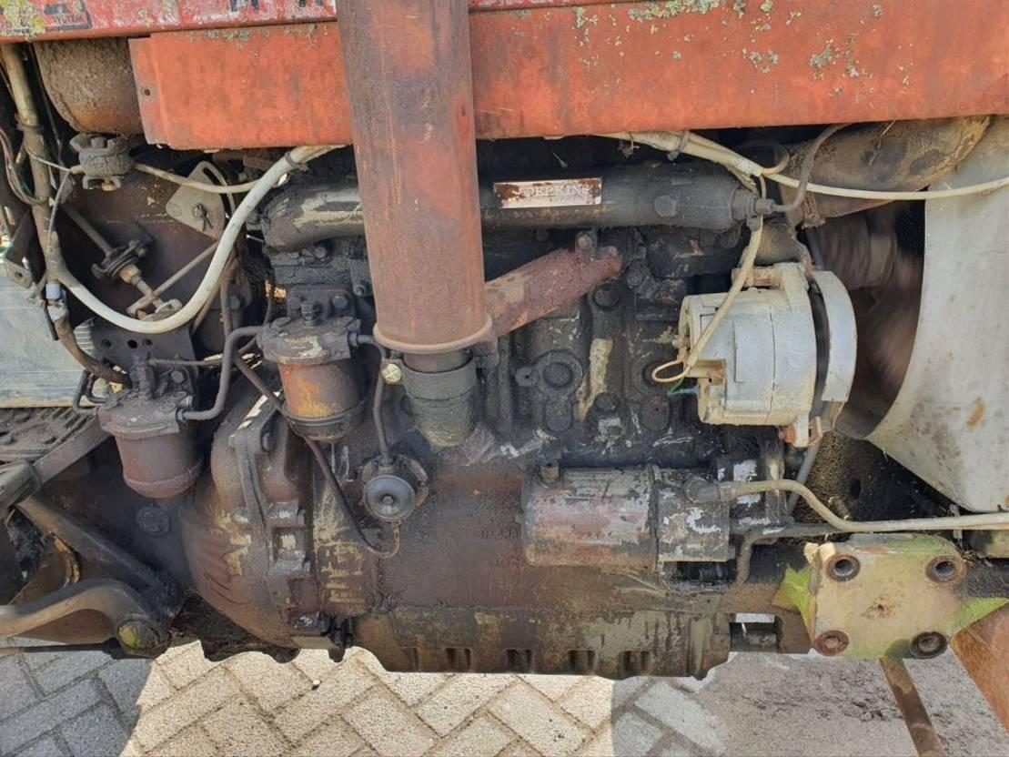 standaard tractor landbouw Massey Ferguson 178 1985