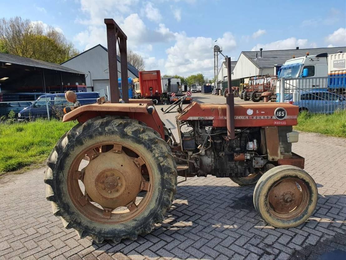 standaard tractor landbouw Massey Ferguson 165 1985
