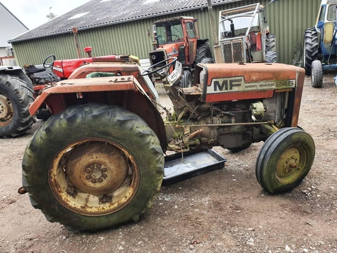 standaard tractor landbouw Massey Ferguson 248 1985
