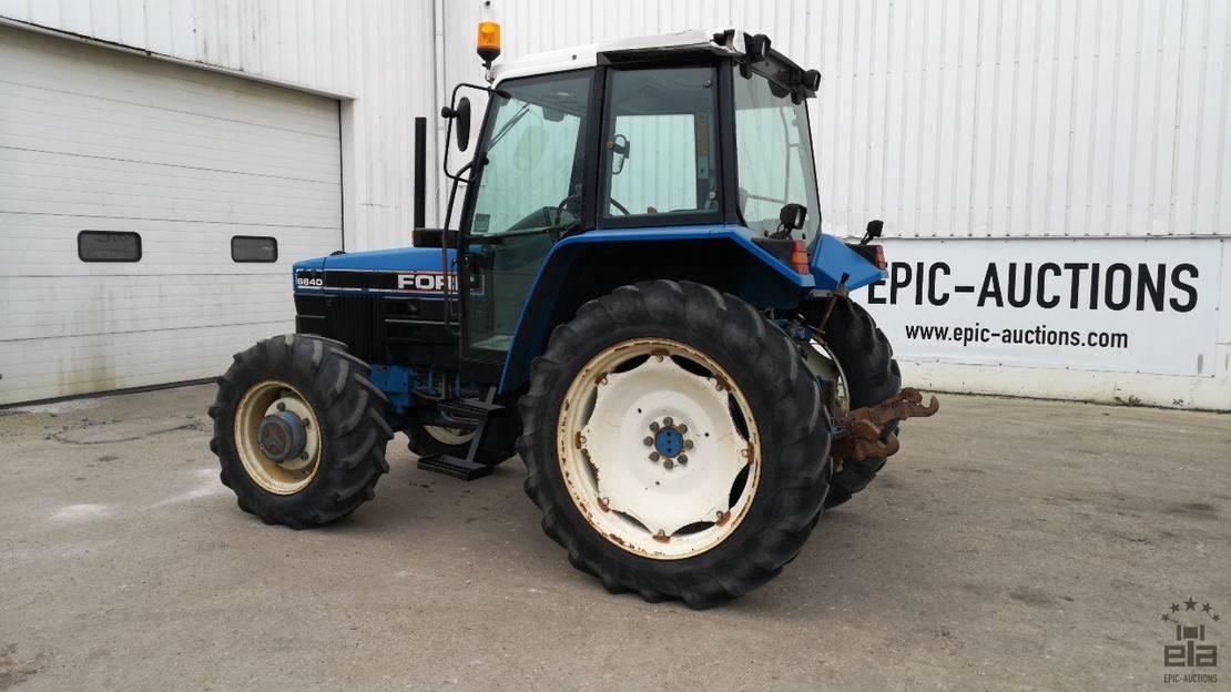 standaard tractor landbouw Ford 6640