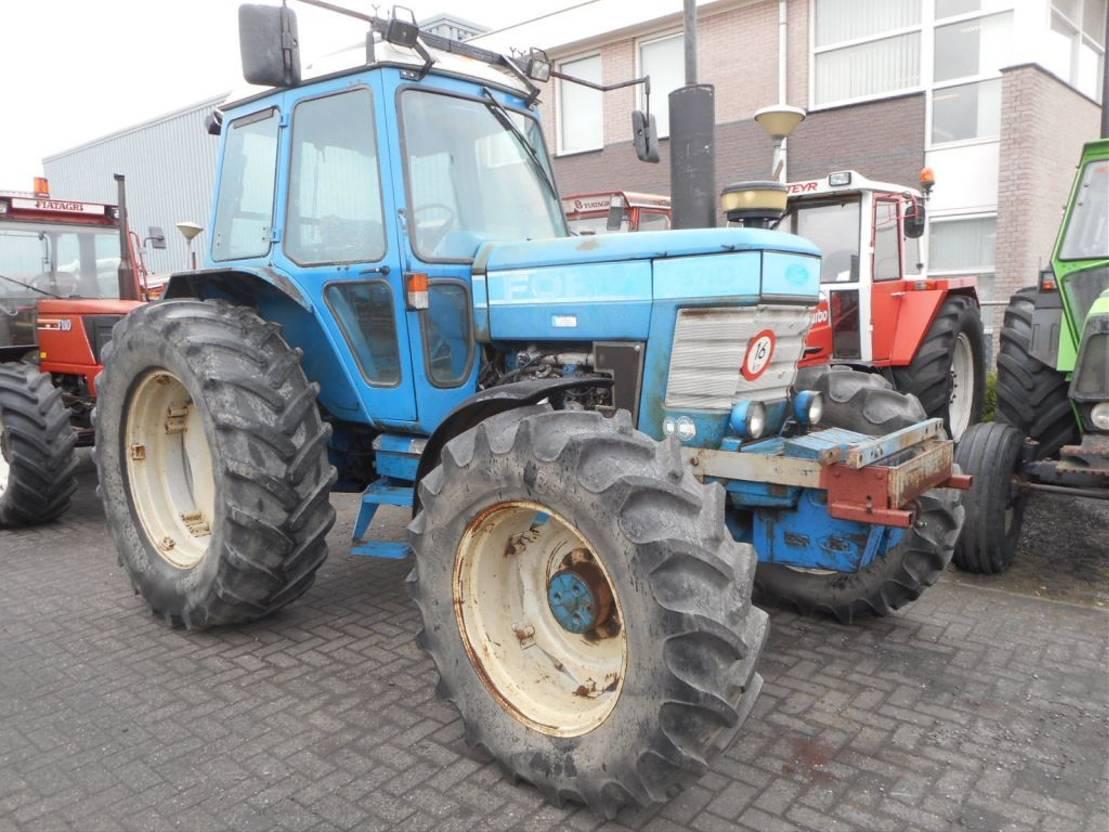 standaard tractor landbouw Ford 6710 1985