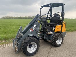 mini lader Giant 337T 2014