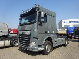 standaard trekker DAF XF 530 FT Space Cab Skirts Grey Intarder 9t front axle 2018