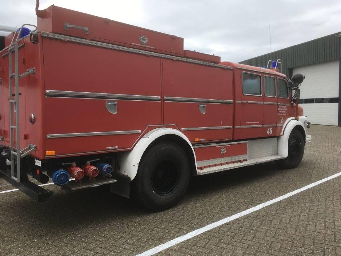 brandweerwagen vrachtwagen Mercedes-Benz L 1418 BRANDWEERWAGEN TWO SPEED 1972