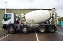 betonmixer vrachtwagen Iveco Trakker 410 8X4 MIXER 8 M3 2008