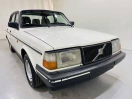sedan auto Volvo 240 2.0 Benz. zonnedak NAP 1990