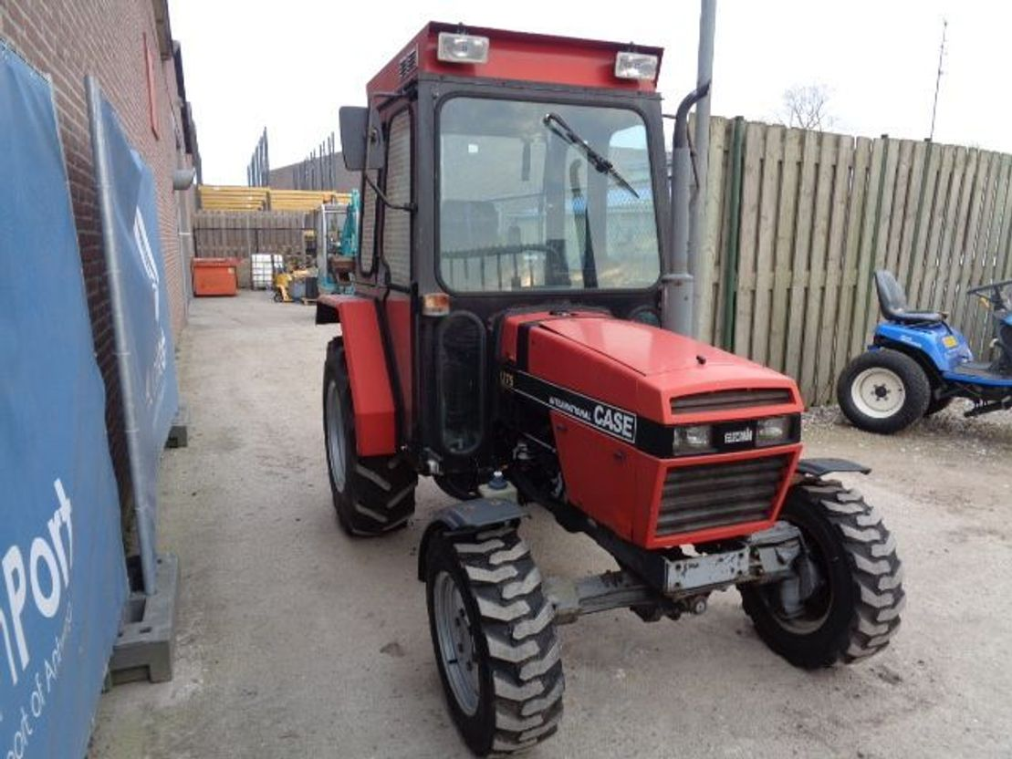 standaard tractor landbouw Case International 275 2000