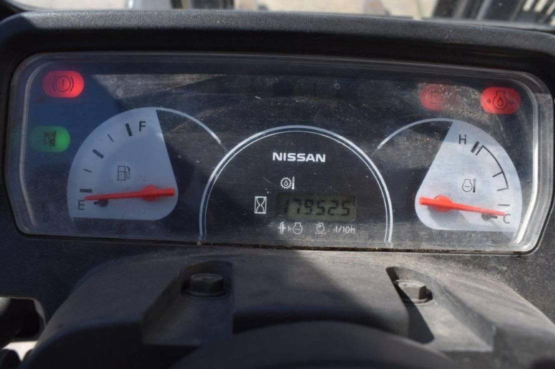vorkheftruck Nissan 1A15 2000