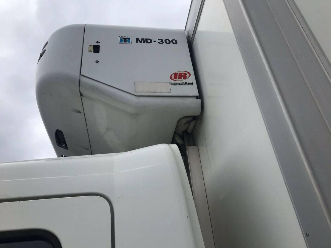 koelwagen vrachtwagen Mercedes-Benz Atego 2 Tiefkühlkoffer, TK MD 300 Strom/Diesel 2008