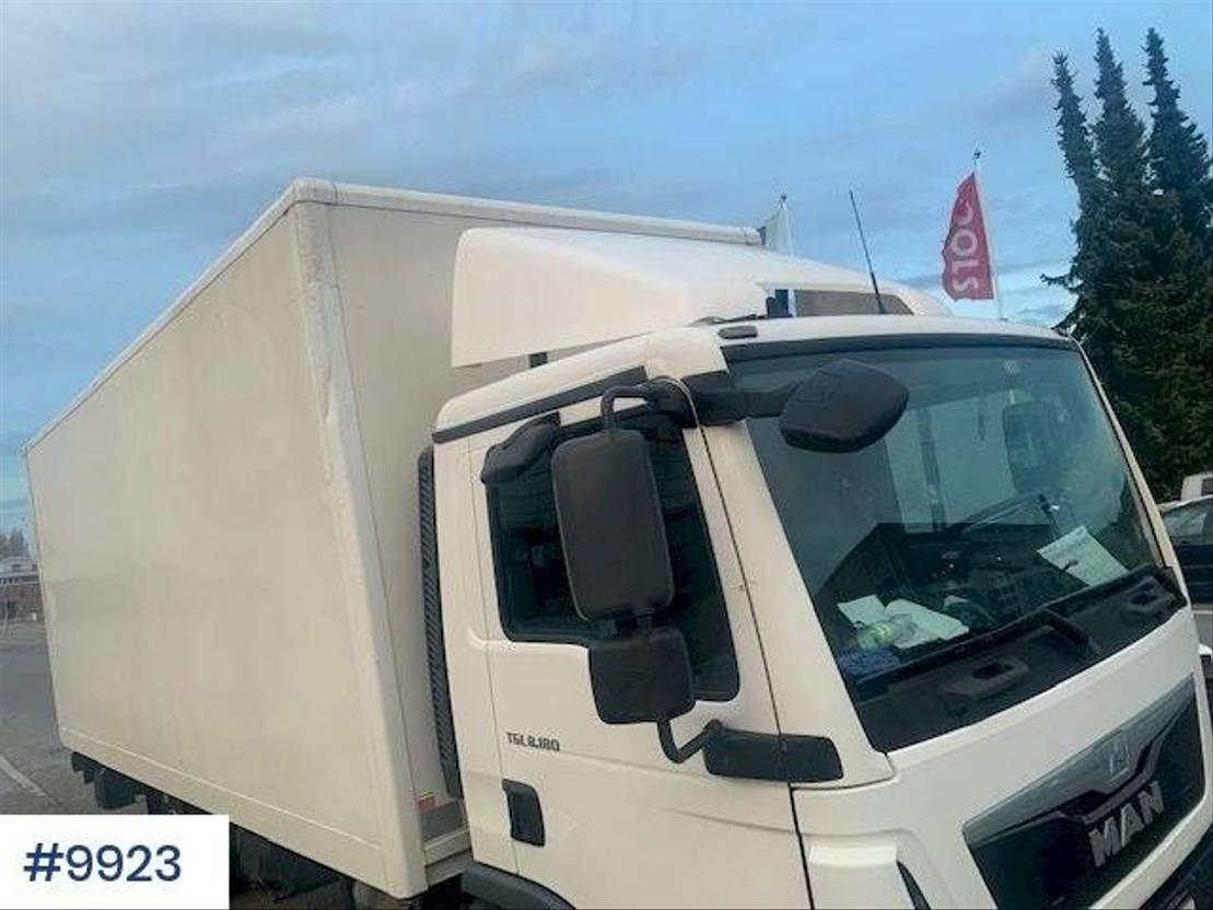 bakwagen vrachtwagen MAN TGL w/ lift and electric jack trolley 2014