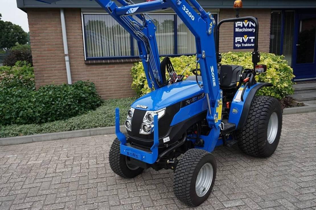 standaard tractor landbouw Solis 26 2021