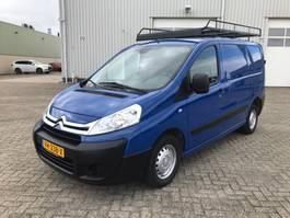 gesloten bestelwagen Citroën jumpy airco impriaal trekhaak 2014