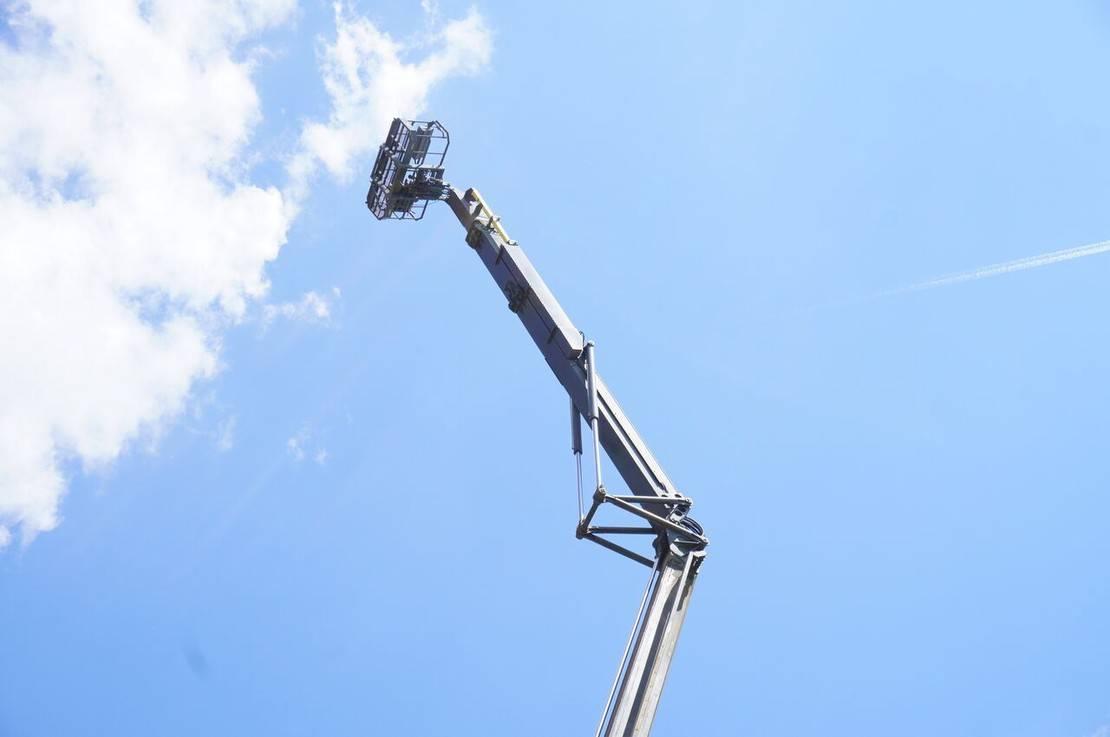autohoogwerker vrachtwagen Terex basket lift, height 40m 1995