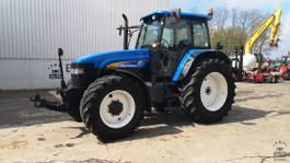 standaard tractor landbouw New Holland TM120 2006