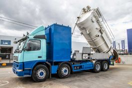 kolkenzuiger vrachtwagen Volvo FM 420 420+ASPIRATRICE HUWAERT 14.000L+Pompe Neuf 1999