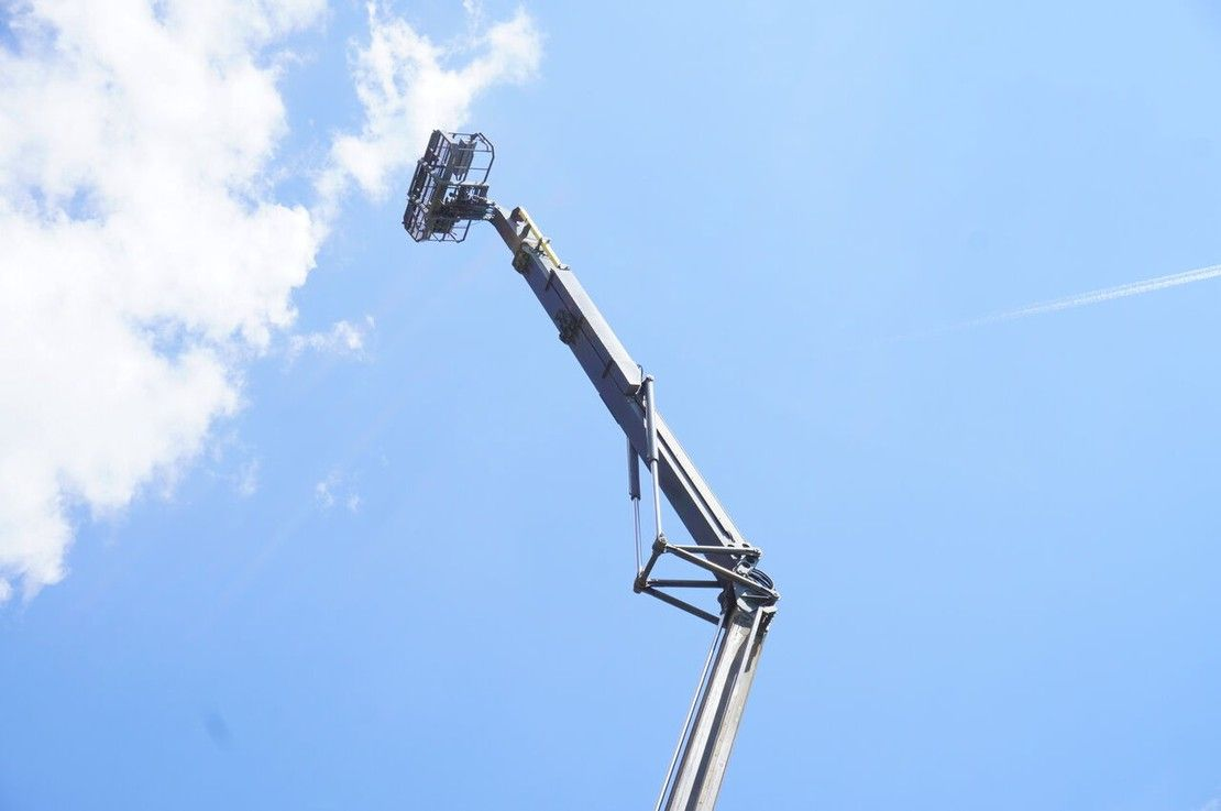 autohoogwerker vrachtwagen Terex lift, basket lift, height 40m 1995