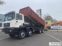 kipper vrachtwagen > 7.5 t MAN 35.403 8x6 - Full steel - Big axles - 6 cyl mech pump 1998