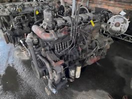 Motor bus onderdeel Renault 6 CILINDER
