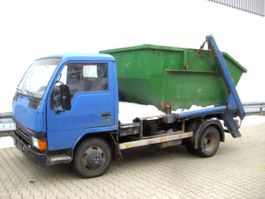 containersysteem vrachtwagen Mitsubishi Canter 4x2 eFH. 1994
