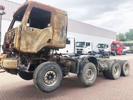 chassis cabine vrachtwagen Renault Kerax 460 .32 8x4 Kerax 460.32 8x4 mit Brandschaden 2012