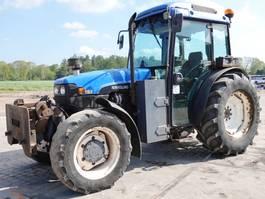 standaard tractor landbouw New Holland TN-F90 - Excellent Working Condition 2001