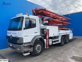 betonpomp vrachtwagen Mercedes-Benz Axor 2633 6x4, Putzmeister 28 mtr , Remote, Steel suspension 2005