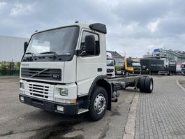 chassis cabine vrachtwagen Volvo FM 9 290 only 95.000 km !!! Like new !!! 2000