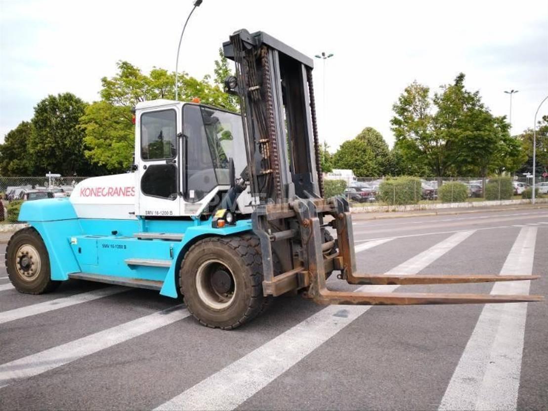 vorkheftruck SMV 16-1200B 2009