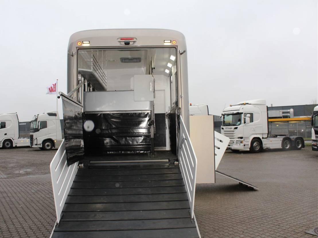 paardenvrachtwagen Volvo FL 280 KRISMAR 4 Horses 2021