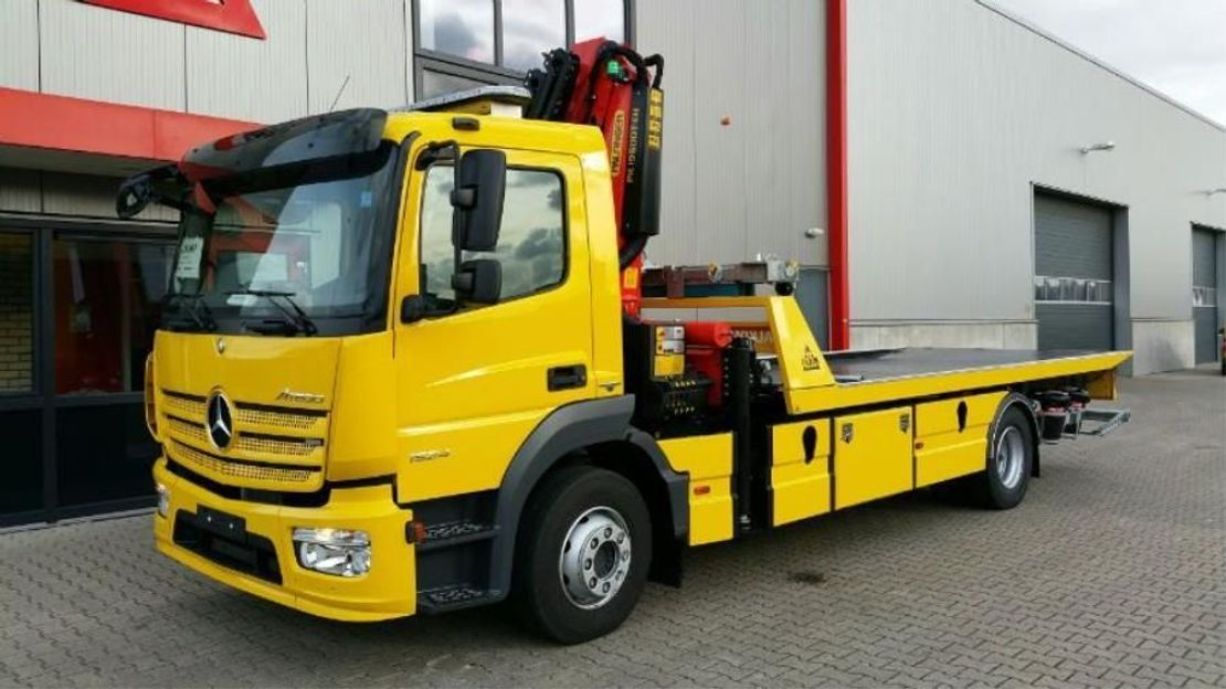 takelwagen-bergingswagen-vrachtwagen Mercedes-Benz 1524L