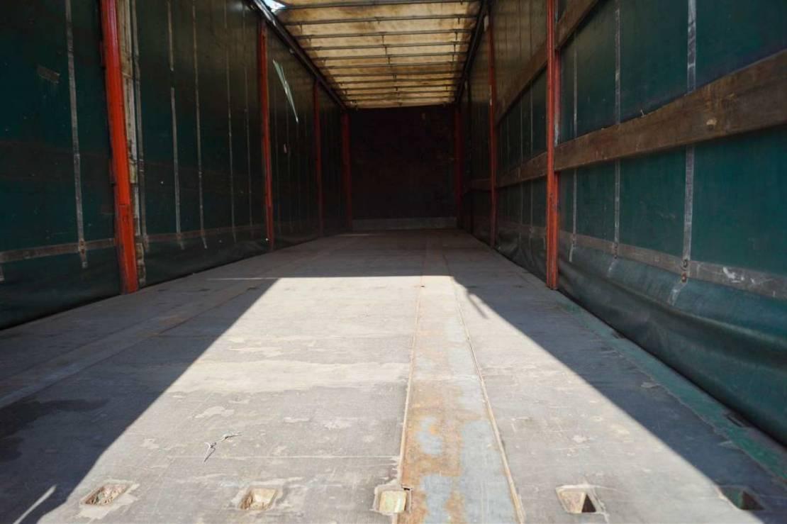 schuifzeil oplegger LAG 3-assige oplegger 2002