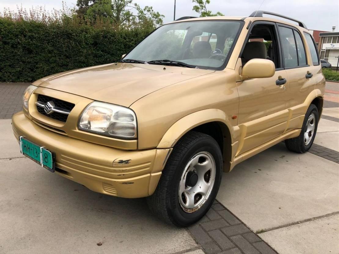 stationwagen Suzuki 2.5 L 2002