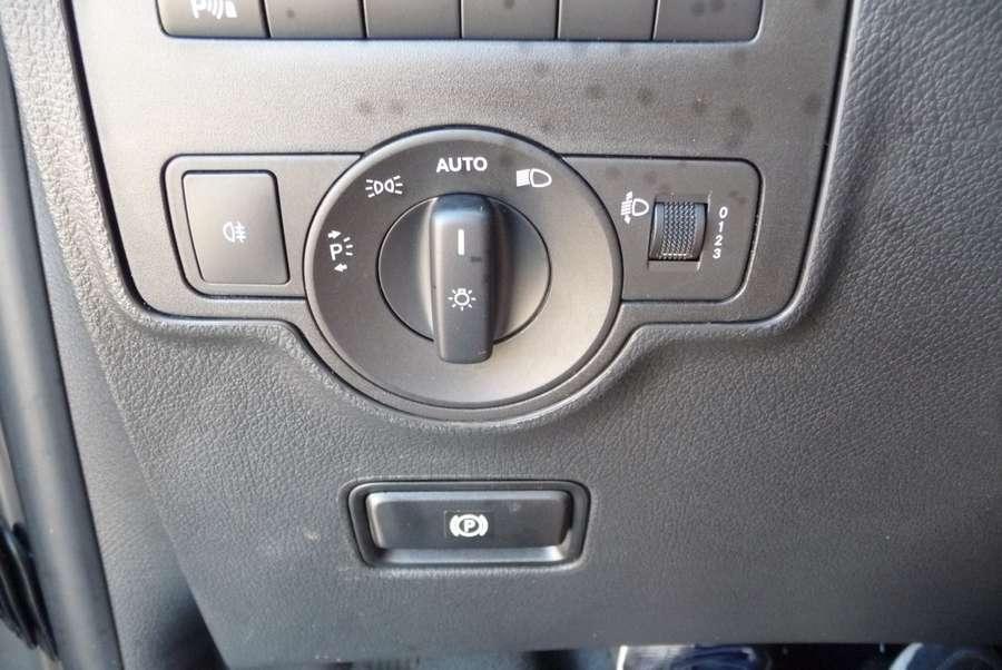 Mercedes-Benz - 111 CDI L2 dubb cab Comf. 5 zits 15.000 km !!!! 12