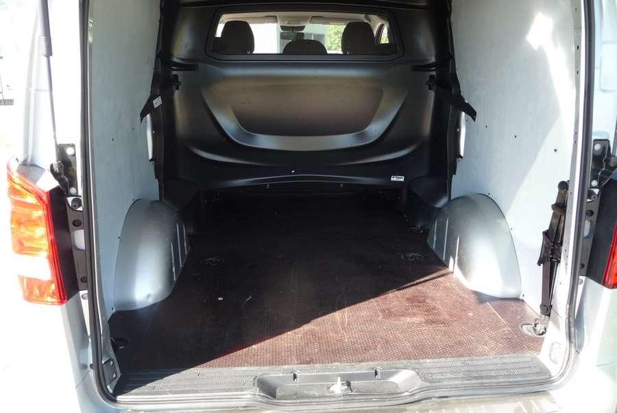 Mercedes-Benz - 111 CDI L2 dubb cab Comf. 5 zits 15.000 km !!!! 24