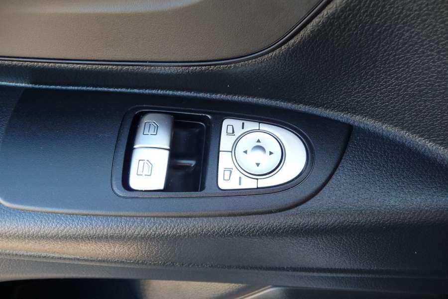 Mercedes-Benz - 111 CDI L2 dubb cab Comf. 5 zits 15.000 km !!!! 13