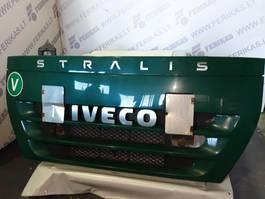 Grille vrachtwagen onderdeel Iveco upper grill , bonnet , hood 2007