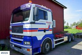 chassis cabine vrachtwagen MAN TGA 26 6x2 2004
