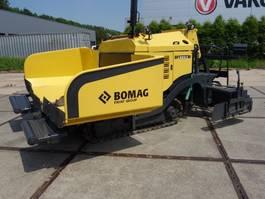 asfalteermachine rups Bomag 223 c 2011
