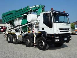 betonpomp vrachtwagen Iveco Eurotech TRAKKER  410