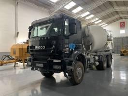 betonmixer vrachtwagen Iveco Trakker 410 Hormigonera Baryval 7m3