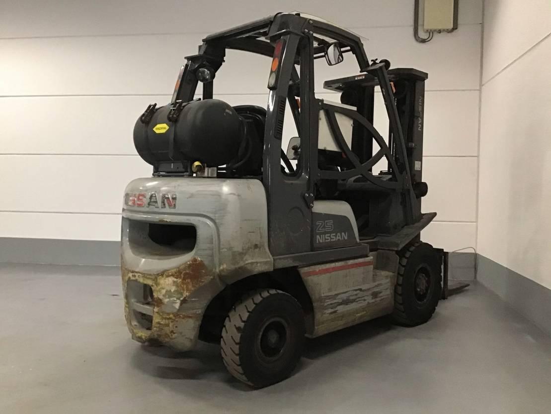vorkheftruck Nissan u1d2a25lq 4 whl counterbalanced forklift <10t 2012