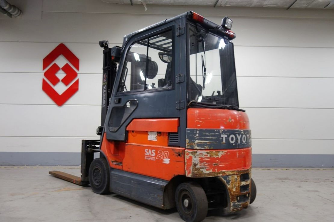 vorkheftruck Toyota 7fbmf20 4 whl counterbalanced forklift <10t 2008